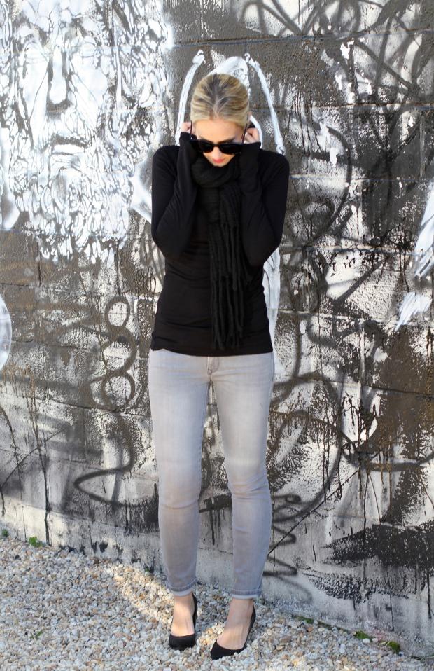 Black turtleneck with Grey Gap Jeans on CaliCrest.com