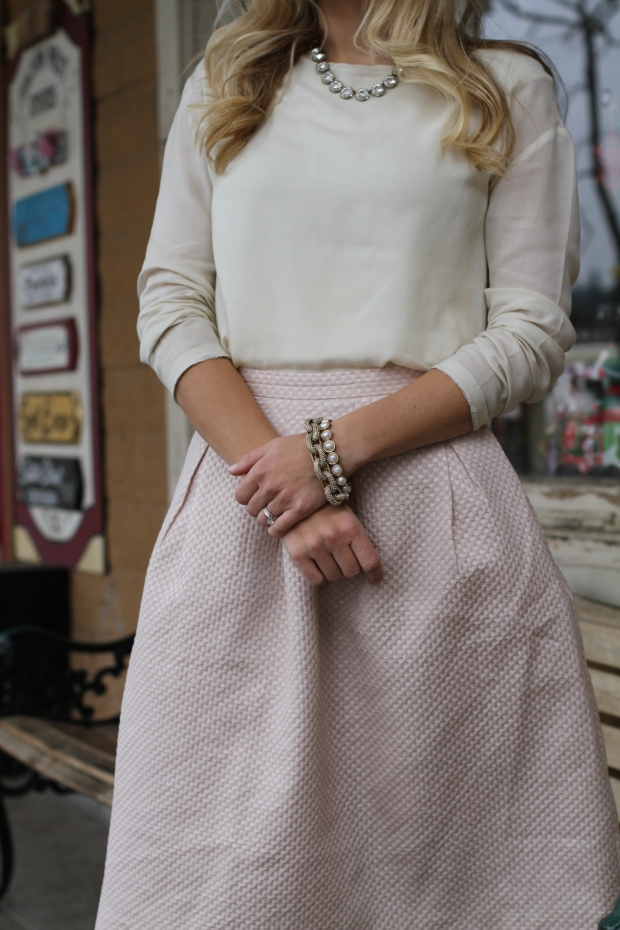H&M blush pink and gold midi skirt on CaliCrest.com