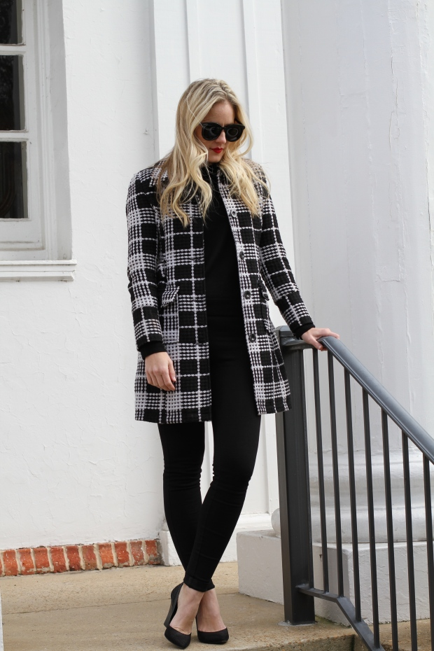 Black and White Winter Style on CaliCrest.com